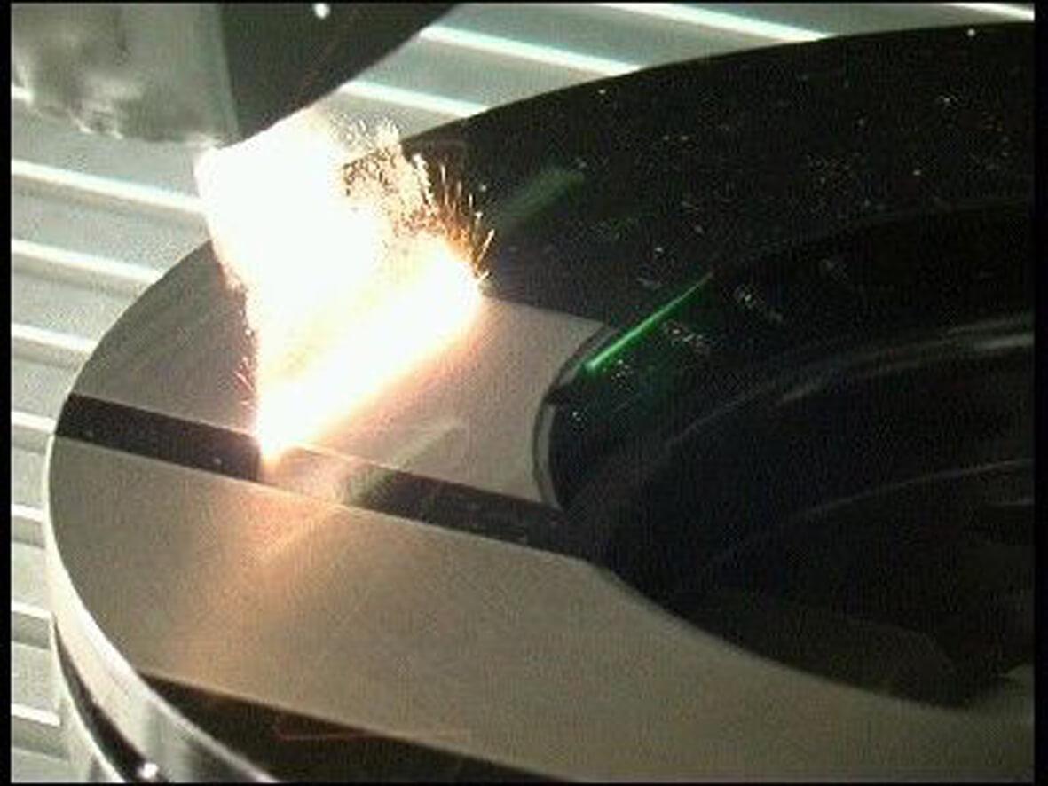 Entschichtung Bremsscheibe mit Laserlicht
