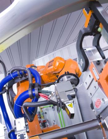 Lasersystem von cleanLASER im Einsatz bei AUDI