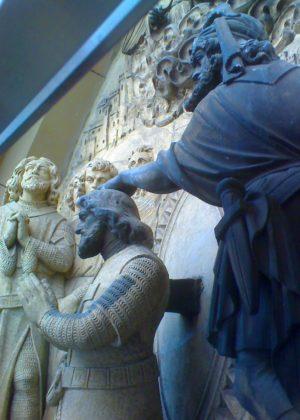 lasergereinigte Sandstein-Statuen