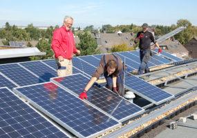 Sonnenkollektor cleanLASER Dachmontage