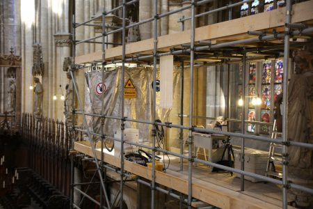 Laser restoration in cathedral
